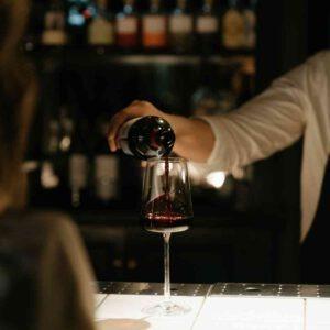 הגשת יין